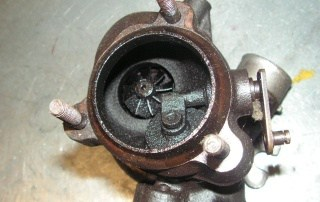 Turbo leaking oil